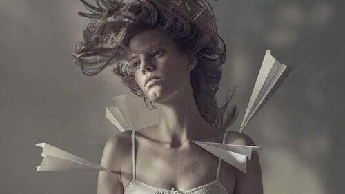 Trauma z przeszlości może przyczynić się do wystąpienia aerofobii.