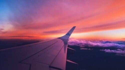 Strach przed lataniem – pozbądź się go w 5 prostych krokach