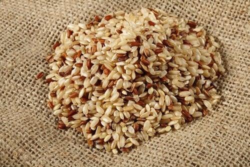 Ogranicz spożywanie ziaren zbóż.
