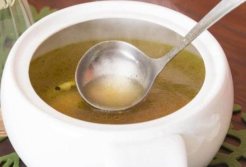 Zupa z kapusty na odchudzanie – poznaj przepis
