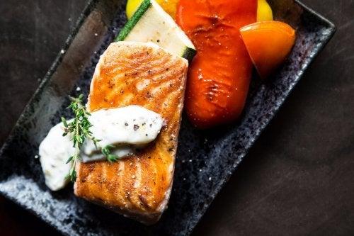łosoś w diecie z podwyższonym poziomem trójglicerydów