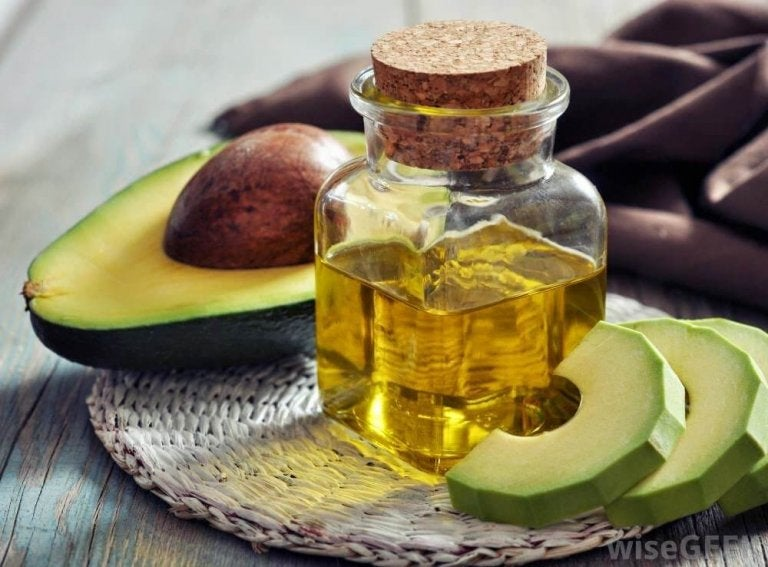 Awokado i olejek arganowy.