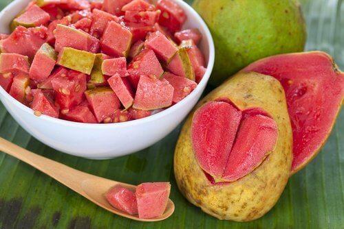 sałatka owocowa z gujawy