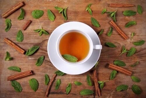 Odchudzająca herbata miodowo-cynamonowa – właściwości