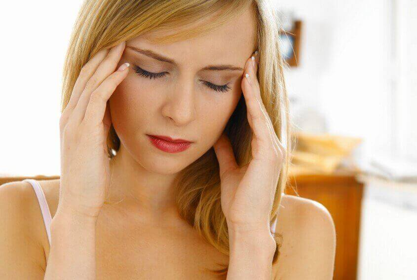 Ból głowy może oznaczać niewłaściwe nawodnienie organizmu.