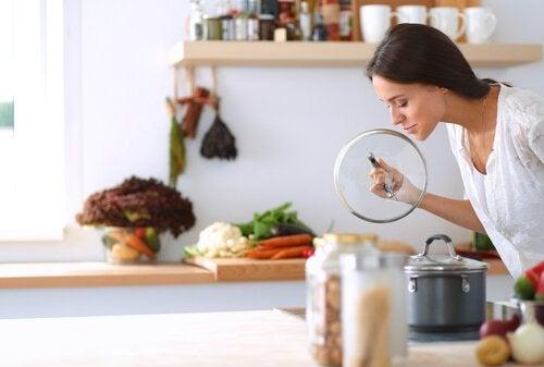 Nieprzyjemny zapach z rur - 4 sposoby na wyeliminowanie