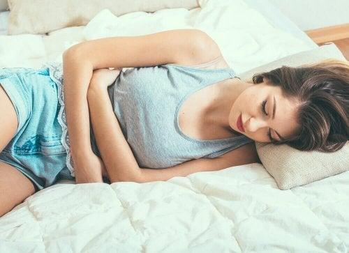Cykl menstruacyjny - naturalne środki lecznicze służące jego uregulowaniu