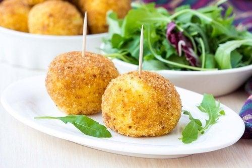 Kulki brokułowe z serem – przepisy na pyszną przekąskę!