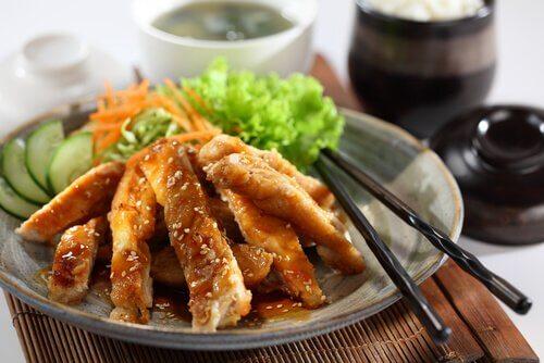 Kurczak w sezamie – danie, w którym się zakochasz