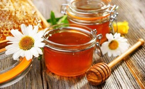 Miód jest równie ważnym składnikiem tej odchudzającej herbaty.