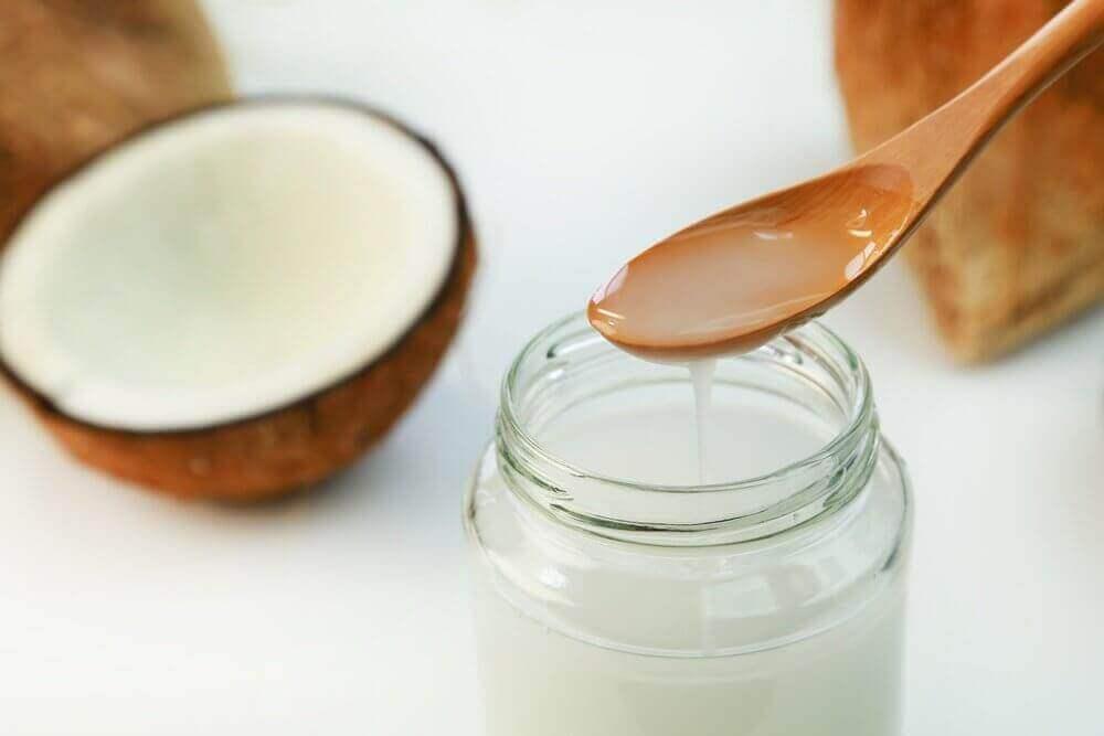 zdrowe tłuszcze - olej kokosowy