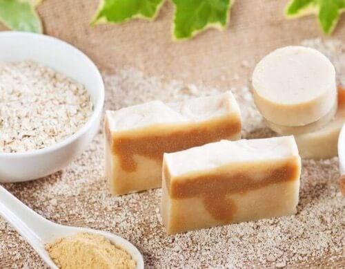 Naturalne mydło owsiane i jego moc złuszczająca