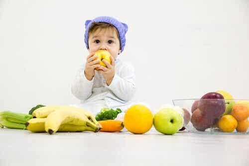 Owoce dla dzieci – które są bezpieczne?
