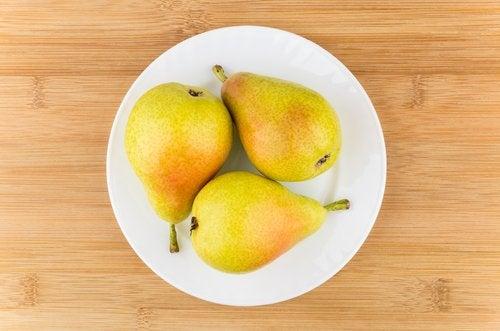 Czy jeść owoce na diecie? Dowiedz się więcej!
