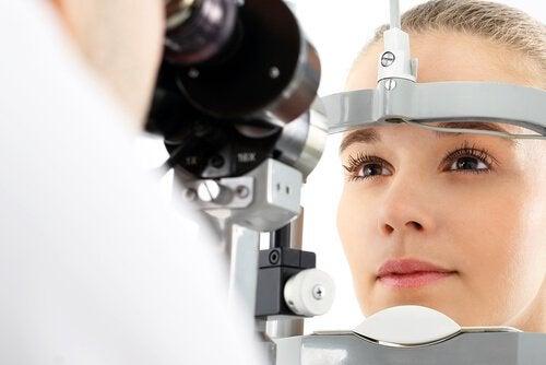 Objawy niedoboru witamin- problemy ze wzrokiem