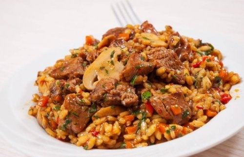 Chiński ryż z kurczakiem i miodem - sprawdzony przepis