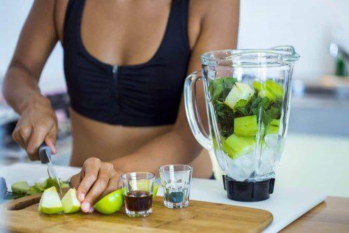 Koktajle detoksykacyjne – 5 zdrowych przepisów