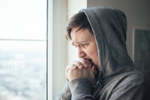 Tłumienie uczuć prowadzi do zmartwień i lęków