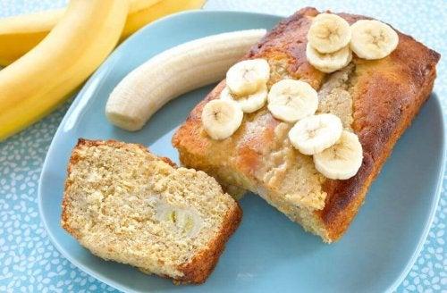 Chlebek bananowy – słodka przekąska na 3 sposoby