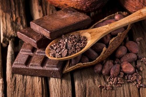 Czekolada i ziarna kakaowca
