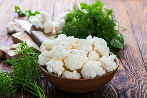 niskokaloryczne pokarmy- kalafior