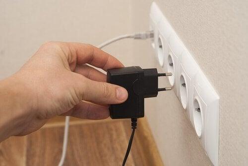 Energia elektryczna – 10 sposobów na jej oszczędzanie