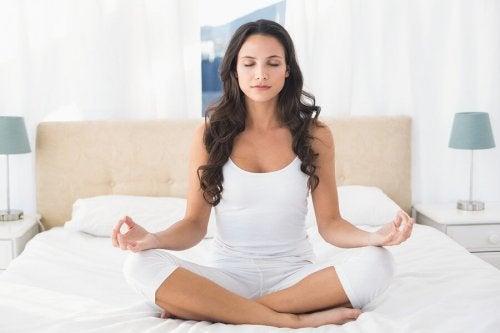 Antystresowe działanie jogi – ćwiczenia ukoją nerwy