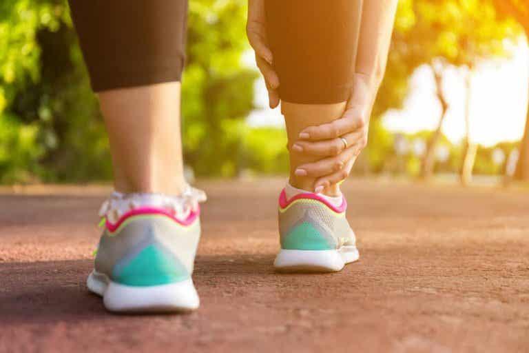 Opuchnięte nogi - 5 domowych środków łagodzących