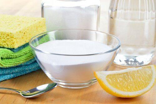 Ocet na pozostałości mydła