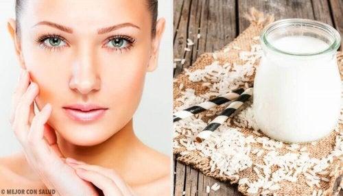 Peelingna bazie ryżu – 5 przepisów dla pięknej skóry
