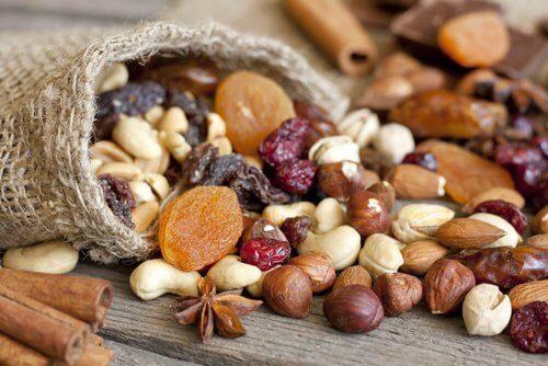 Jedzenie orzechów – poznaj ich cenną wartość dietetyczną!