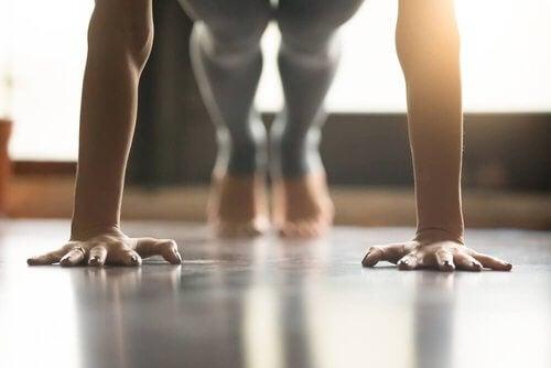 Uprawianie jogi - dowiedz się dlaczego pomoże Ci wzmocnić mięśnie