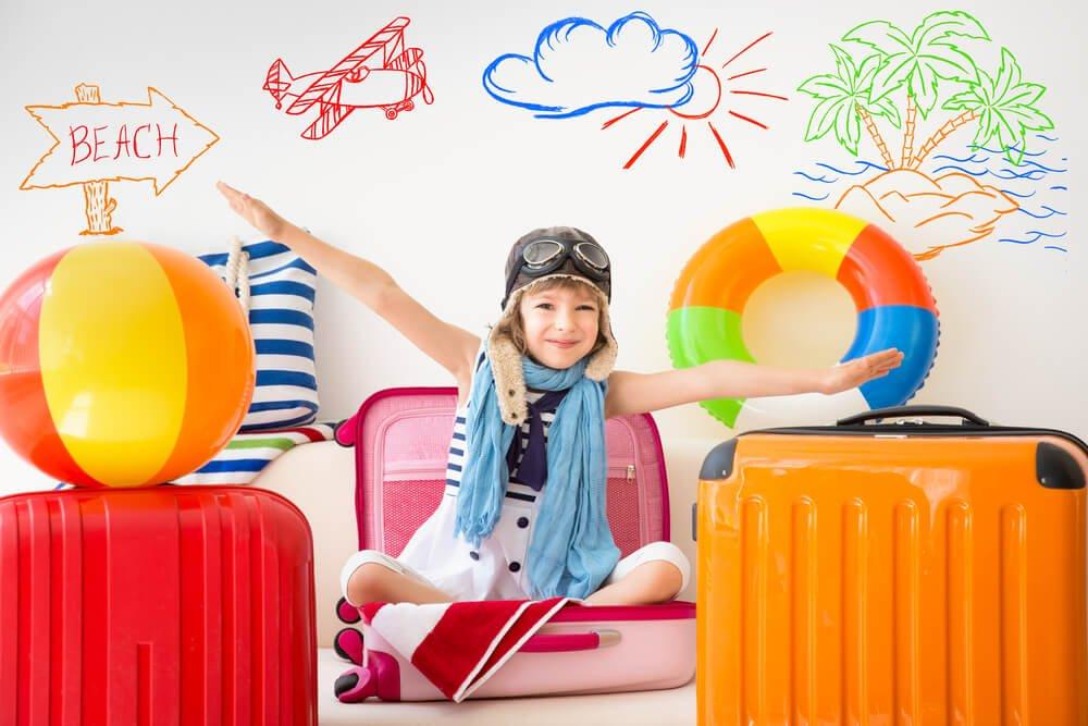 Mały lotnik w walizce
