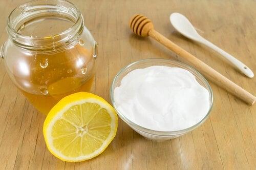 Soda oczyszczona z miodem - może poprawić zdrowie?