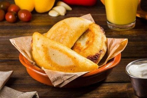 Mini empanadas: prosty przepis na przekąskę