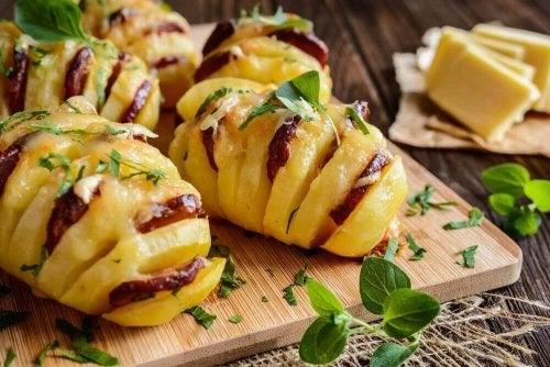Ziemniaki nadziewane chorizo i serem – przepyszne!