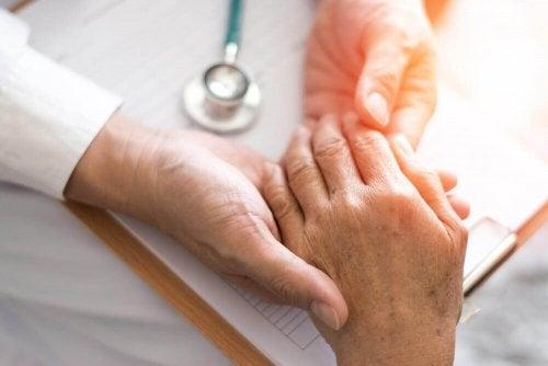 reumatoidalne zapalenie stawów dłonie