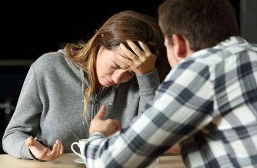 Zdradził mnie z przyjaciółką – jak się zachować?
