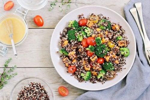 sałatka z nasion quinoa