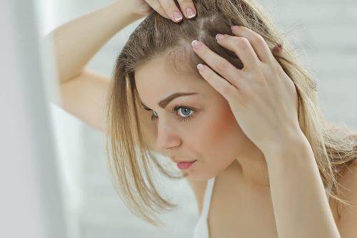 Skóra głowy: 6 przyczyn jej podrażnienia