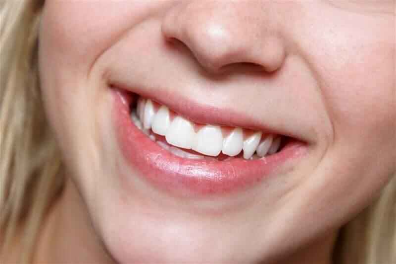 Zdrowe i białe zęby