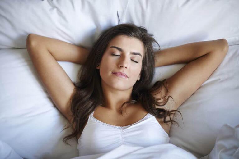 Dobry sen zmniejsza trądzik