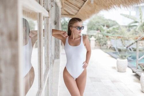 Stroje kąpielowe - poznaj najnowsze trendy mody