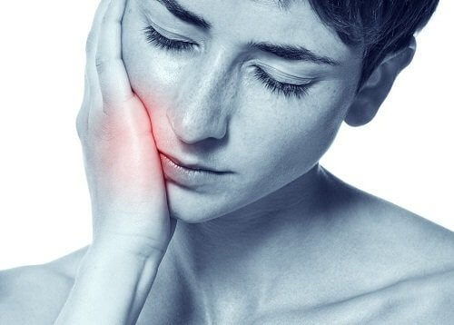 Ból zęba - najskuteczniejsze naturalne remedia