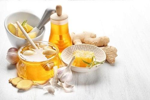 Imbir, czosnek i miód na wysoki cholesterol