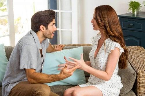 Twój partner - zobacz, czy Cię kontroluje? Odczytaj te znaki