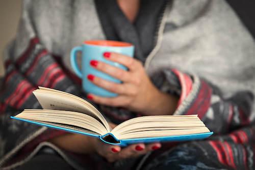Czytanie w nocy - zalety dla mózgu!