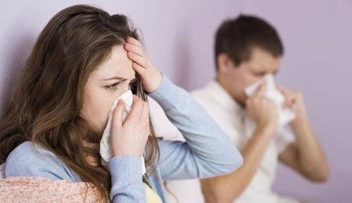Objawy grypy to przede wszystkim gorączka.