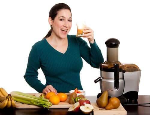 Seler, marchewka i gruszka to połączenie idealne – zapewni Ci silny detoks.
