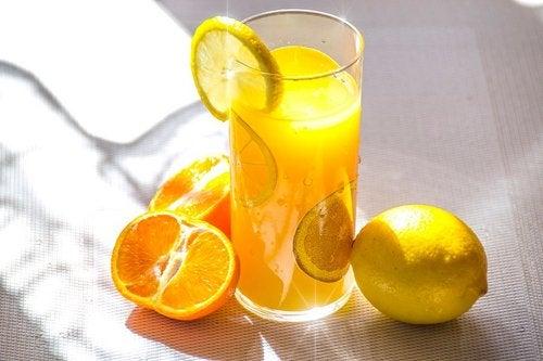 Koktajl pomarańczowy.